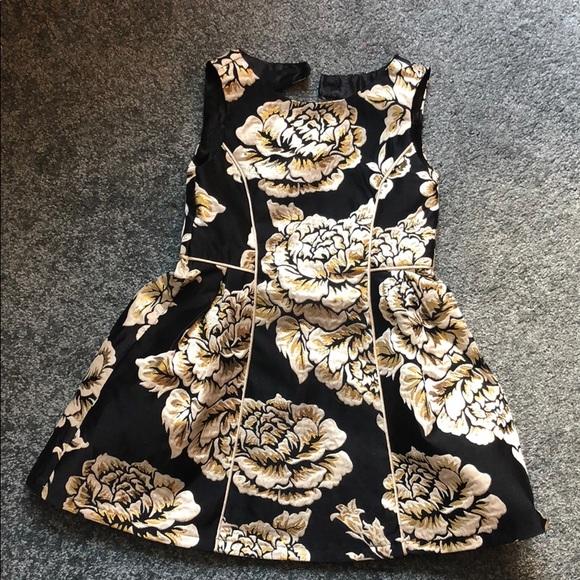 b28b9bddef Black and Gold formal Dress 4T. M 5b85dc871b16db0d42cc5c7e